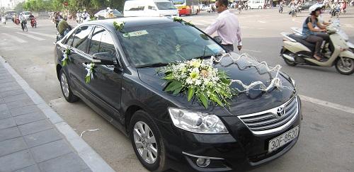 Cho thuê xe cưới camry hạng sang tại Hà Nội